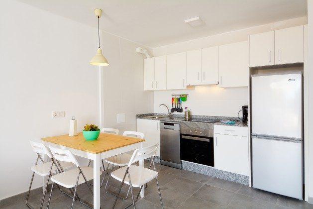 LZ 110068-25 Küchenzeile mit Essplatz