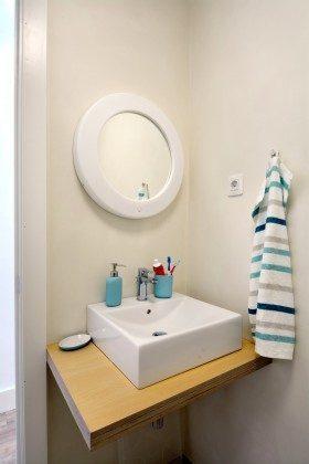 LZ 110068-26 eines der Badezimmer