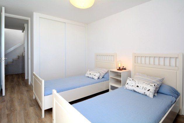 LZ 110068-26 Schlafzimmer mit Einzelbetten