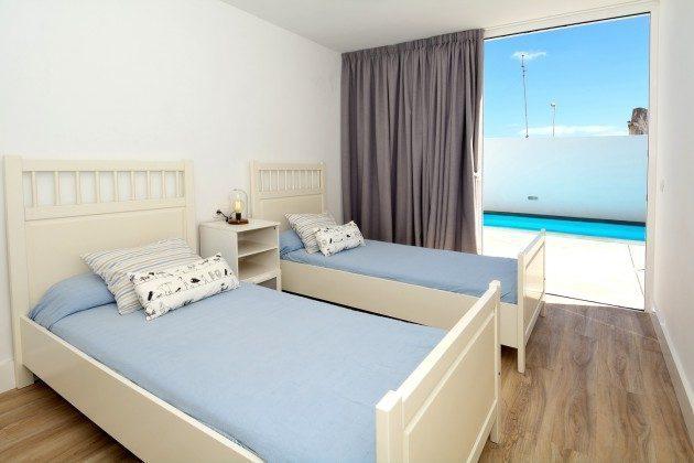 LZ 110068-26 Schlafzimmer mit Zugang zur Sonnenterrasse