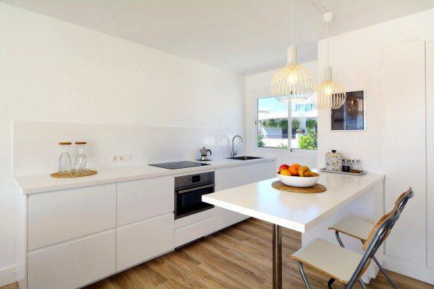 Küche mit Esstheke LZ 110068-26
