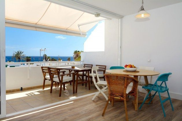 Essplatz und möblierter Balkon mit Meerblick LZ 110068-26
