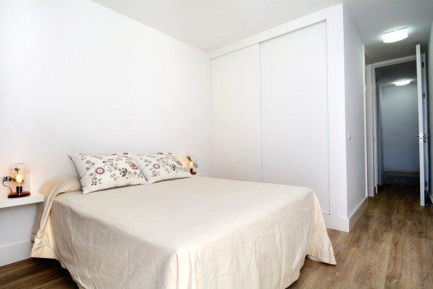 LZ 110068-26 Schlafzimmer 1
