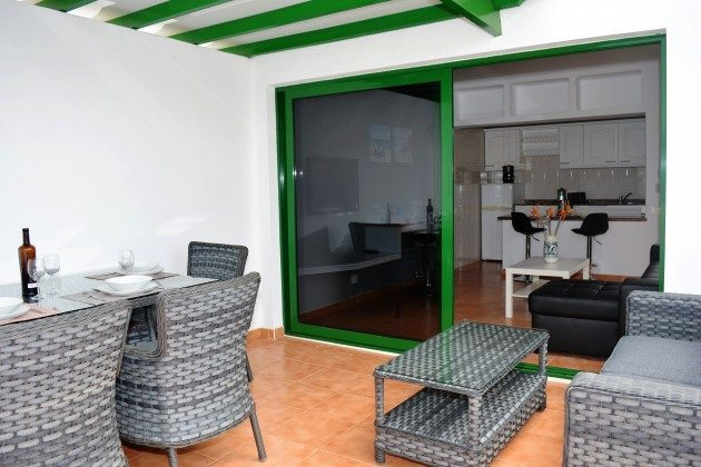 LZ 110068-78 Wohnbeispiel möblierte Terrasse