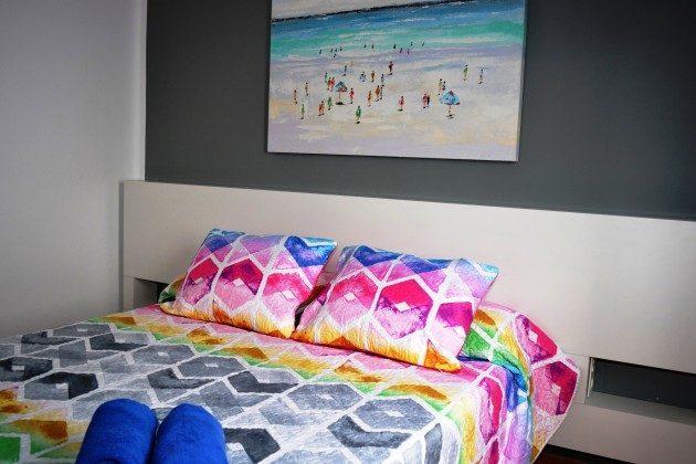 LZ 110068-78 Wohnbeispiel Schlafzimmer - hier mit Doppelbett