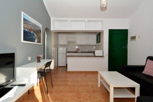 LZ 110068-78 Wohnbeispiel Wohn-/Essraum mit Küchenzeile