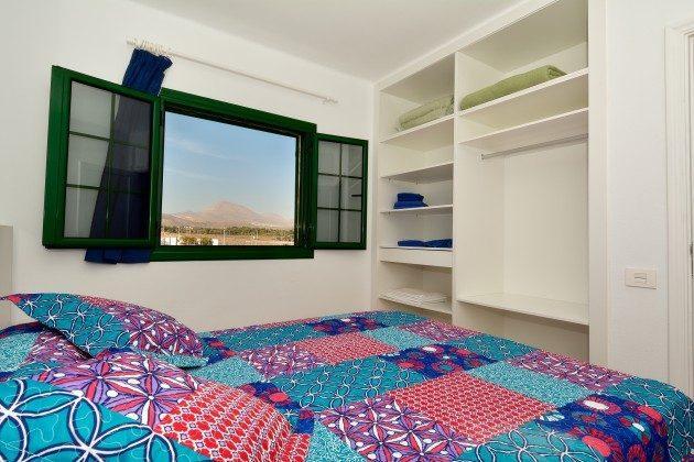 LZ 110068-78 Wohnbeispiel Schlafzimmer mit Doppelbett oder Einzelbetten