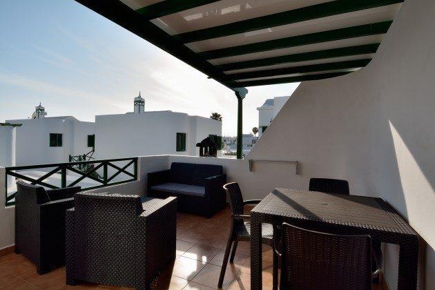 LZ 110068-78 Wohnbeispiel große, möblierte Terrasse