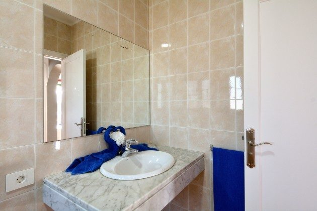 LZ 110068-78 Wohnbeispiel Badezimmer
