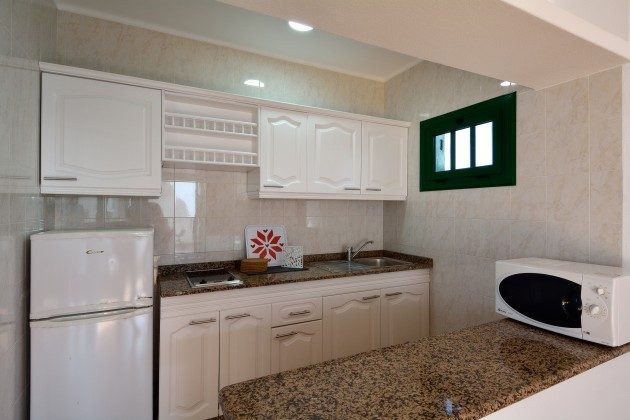 LZ 110068-78 Wohnbeispiel gut ausgestattete Küchenzeile