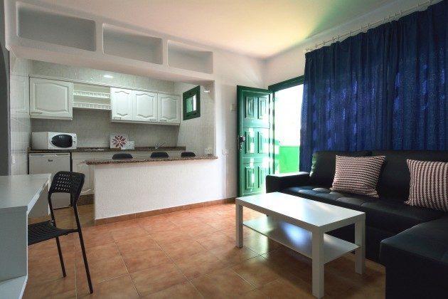 LZ 110068-79 Wohnbeispiel Wohnbereich mit Küchenzeile