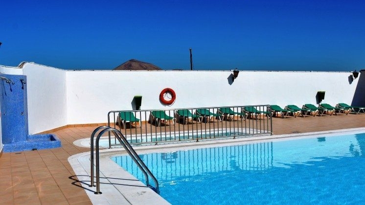 LZ 110068-79 Swimmingpool der Anlage