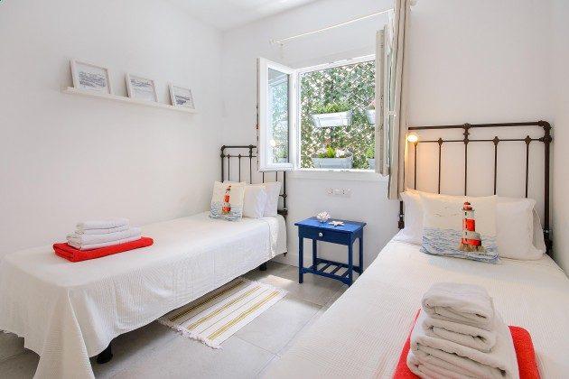 LZ 144288-11 Schlafzimmer mit Einzelbetten