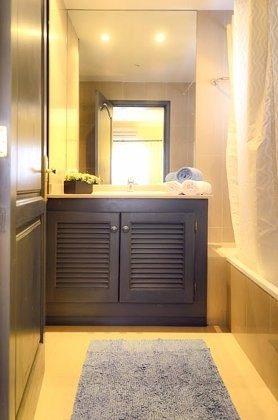 LZ 144288-18 Badezimmer mit Wanne