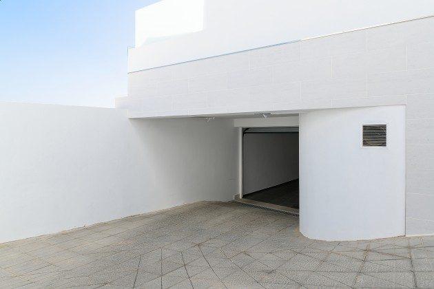 LZ 144288-47 Zufahrt zur Garage