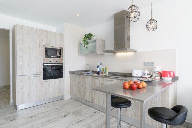 LZ 144288-47 Küchenbereich mit modernen Geräten