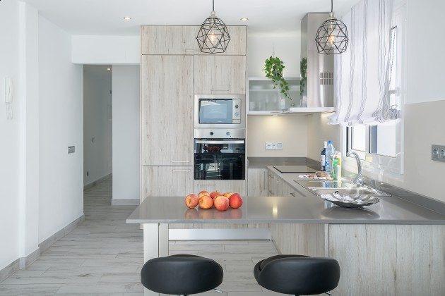 LZ 144288-49 Küchenzeile mit Backofen und Mikrowelle