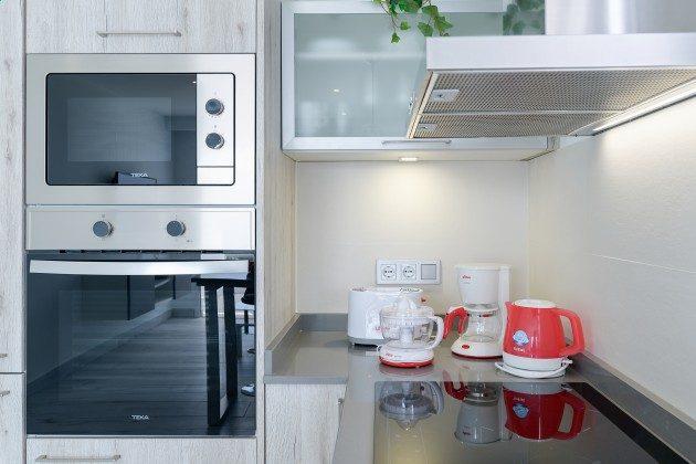 LZ 144288-49 viele Küchengeräte vorhanden