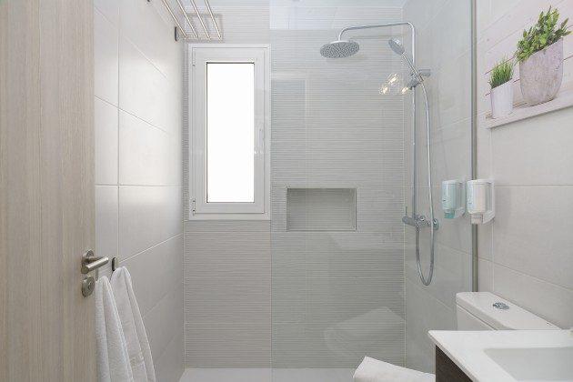 LZ 144288-49 Badezimmer mit Dusche