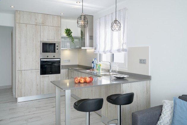 LZ 144288-49 Küche mit Essplatz