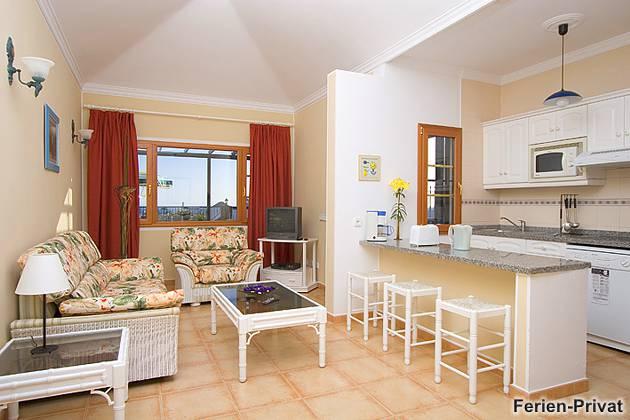 Villa Lanzarote mit Pool Wohnbeispiel Wohnbereich+Küche