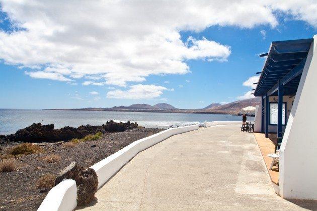LZ 110068-44 Blick auf die Küste