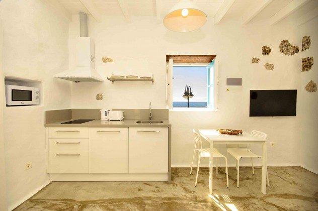 LZ 144288-27 Wohnbeispiel Boga Küchenzeile mit Essplatz