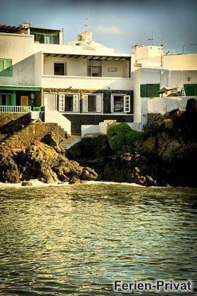Haus von der Wasserseite aus gesehen
