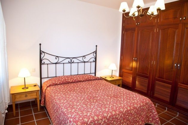 LZ 110068-83 Schlafzimmer mit Schrank