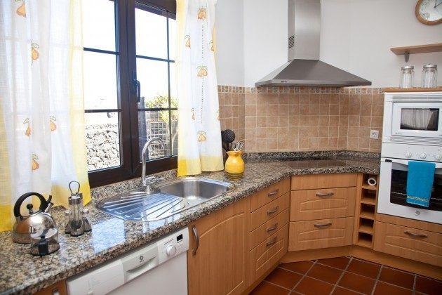 LZ 110068-83 gut ausgestattete Küche