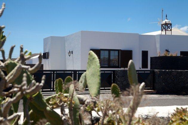 LZ 110068-83 Blick auf das Haus