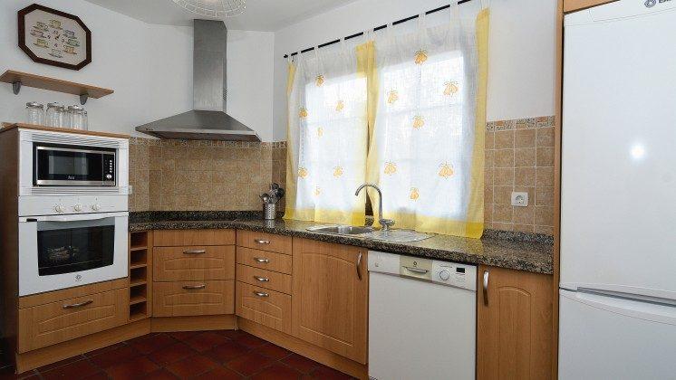 LZ 110068-84 gut ausgestattete Küche