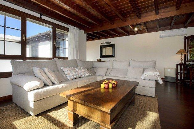LZ 144288-10 Wohnzimmer oben mit toller Aussicht