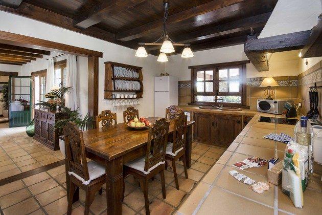 LZ 144288-10 Küche mit Essplatz