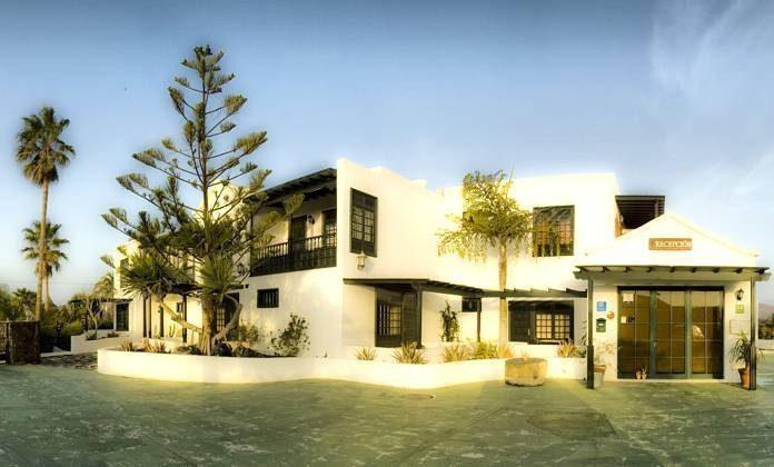 Kanarische Inseln Lanzarote Landhotel mit Pool
