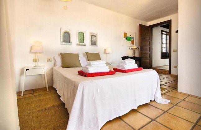LZ 144288-45 Schlafzimmer mit Doppelbett, Badezimmer en-suite
