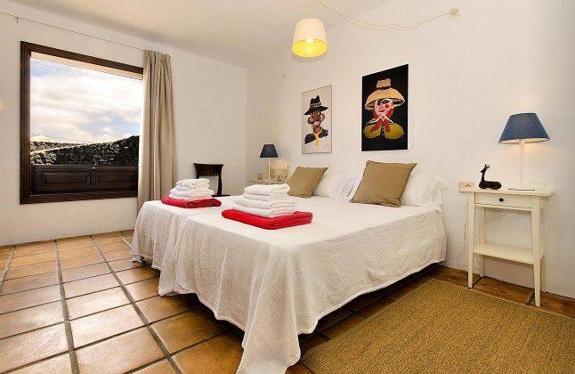 LZ 144288-45 geräumige Schlafzimmer mit Fenster