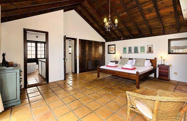 LZ 144288-45 Master Schlafzimmer mit Bad en-suite