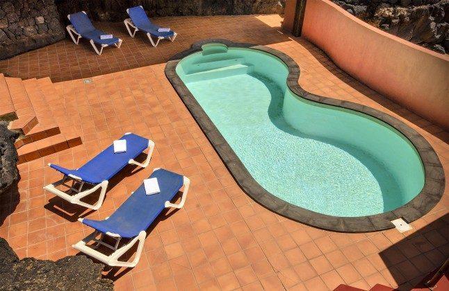 LZ 144288-45 Swimmingpool und Sonnenterrasse