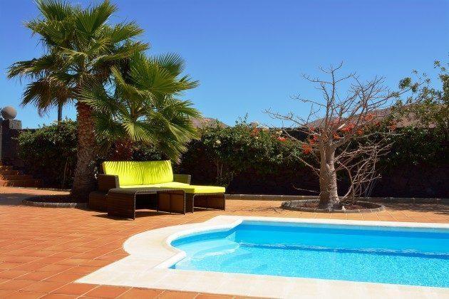 LZ 110068-51 Terrasse und Pool