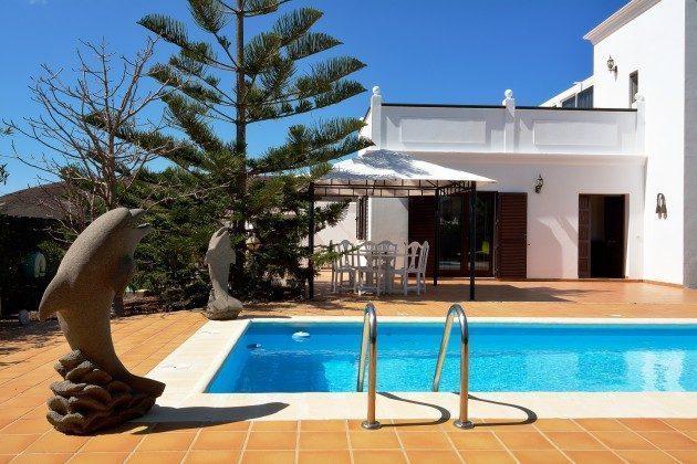 LZ 110068-51 Pool und Haus