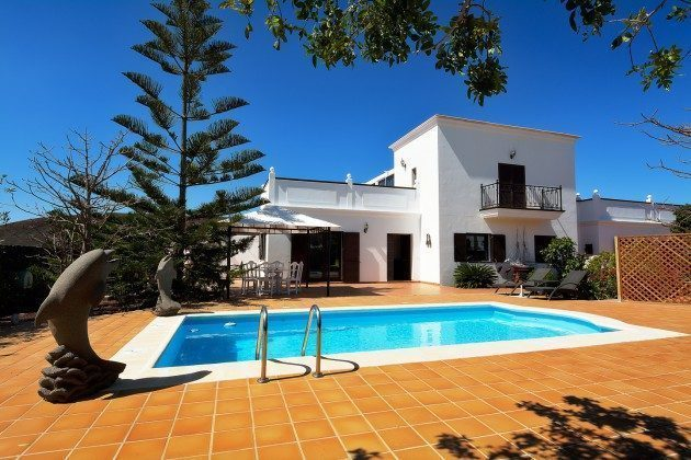 Spanien Kanaren Ferienhaus mit Pool auf der Insel Lanzarote