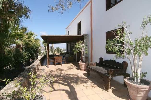 Kanaren Lanzarote zweigeschossiges Ferienhaus
