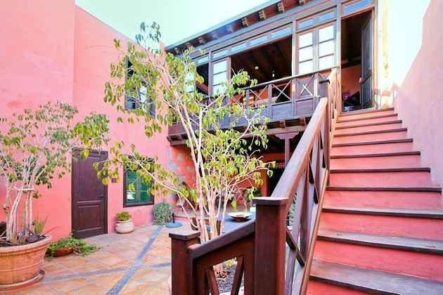 Holztreppe / Aufgang zur Wohnung La Troja