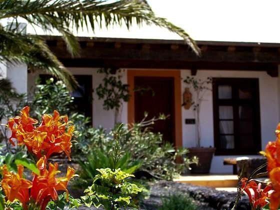 Lanzarote Ferienhaus mit Terrasse und Gemeinschaftspool