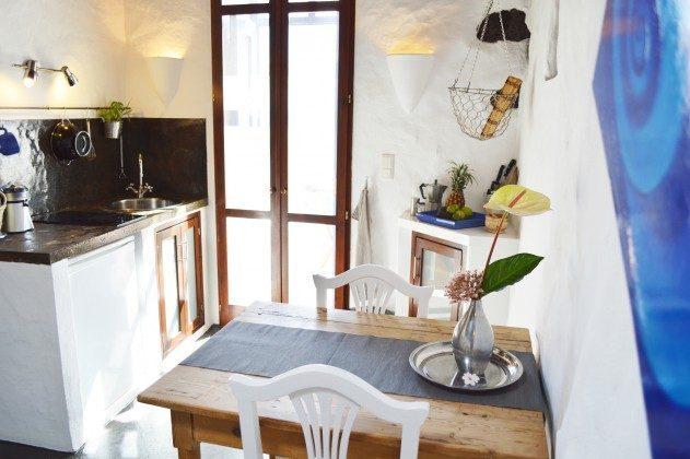 LZ 42477-1 Küche und Essplatz, Ausgang zur Terrasse