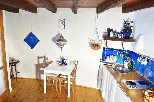 LZ 42477-3 Küchenzeile und Essplatz