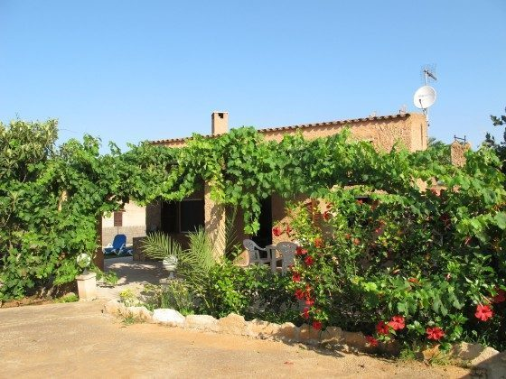 Pool mit Blick Ferienhaus zum Haus, Cala Mondragó Ref. 2455-93