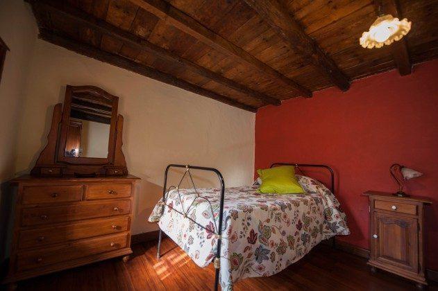 Objekt 151614-2 Schlafzimmer mit Einzelbett