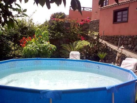 Schwimmbecken zur gemeinschaftlichen Nutzung